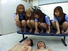 Négy Japán OLs kiköpött munkatárs