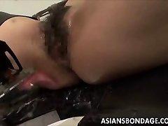 الآسيوية فاتنة السندات و fuckd من قبل اللعين
