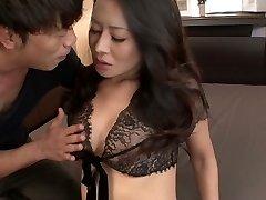 Amazing buxom Japanese Rei Kitajima gets her hungry pussy plumbed