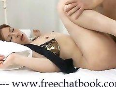 Ázsiai Királynő KiKi a Free Chat Könyv