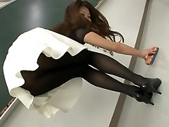 Super-sexy Japanese women in pantyhose and socks