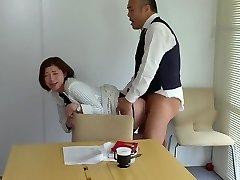 JUL-271 人妻秘書、汗と接吻に満ちた社長室中出し性交 『大人の戯れ』を知り尽くした《専属》加藤ツバキx《監督》ながえの最高傑作!!