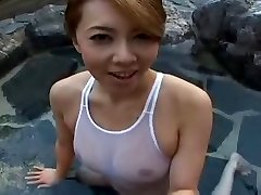 Bikini Asian sluty Yumi in pool