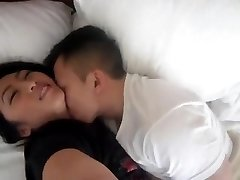 NC gao Hmoob loves to moisten pussy fingered