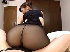 יפנית בוגרת גרביונים שחורים סקס