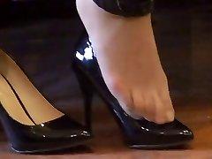 asian hosed (nylon) feet shoeplay with high stilettos