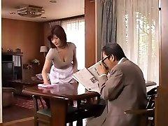Nobriedis Japāņu māte Vēlas jauno Gailis