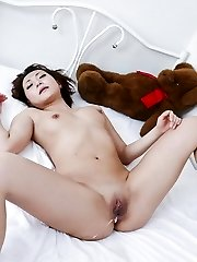 Yuu Shiraishi Chinese gets vibrators on and inside shaved beaver