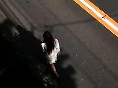 小さなbusty日本人妻titjob