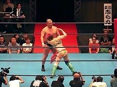 Super-hot mixed wrestling