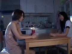 温泉はアジアの女子高生&ッチ先生