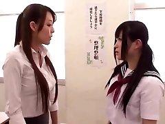 アジアの女子学生を先生のレッスン