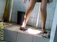 隠れた僕がcamでの撮影はアジアで高品質peeingにトイレ
