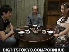 Mako Oda chesty is plowed with dildo
