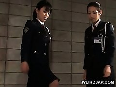 Dick starved chinese police women giving handjob in jail