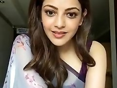 Kajal Aggarwal Showing Underarms and Globes in Sleeveless Saree