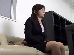 Tatlı bir Japon 69 eğlenceli ve casus cam Asya hardcore fuck