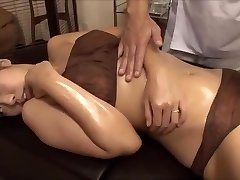 The young wife was tempted by the massagist's big cock, fucked nearby spouse