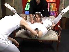 Asian girl Yui Misaki fisted in swan costume