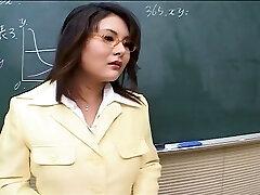 Quente professor Japonês gangbang é a sua lição