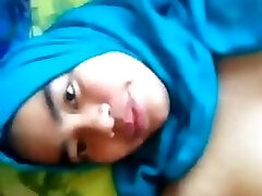 hot tudung slut toying her cunt for you