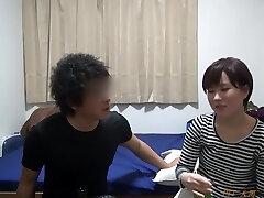 O Nampa Tsurekomi, Câmera Escondida 121 Yumi, 22 anos, loja de conveniência bytes (Casado com banheira de Hidromassagem)