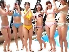 Japonês - teenies festa na piscina