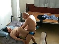 prostituta asiática gordinha