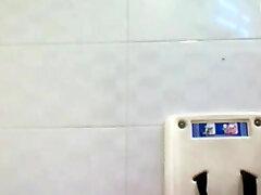 escrava da casa de banho pública