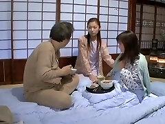 Suzuka Ryou, Aika, Hanagiri Matsuri, Mochida Akane na Inocentes de Vidro Foi Esmagado até A Nublado Líquido