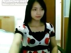 Asiática Gracinha Fica Nua ao Vivo na Webcam
