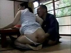 japonês milf são assediadas sexualmente por seu pai em lei - hdmilfcam.com