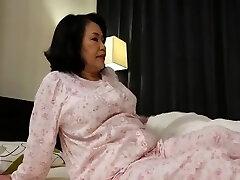 a nova avó privada, dedilhada, o clipe japonês bonito