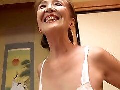 avó japonesa de 70 anos fodeu