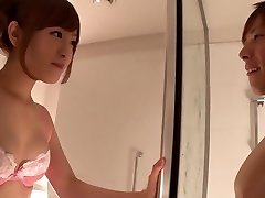 Gorgeous Japanese chick Minami Kiritani in Crazy couple, showers JAV scene