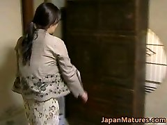 Japanese Cougar has crazy sex free jav