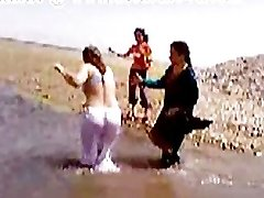 Pakistānas Sindhi Karači Aunty Pliks Upes Vanna
