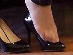 japanese hosed (nylon) feet shoeplay with high stilettos