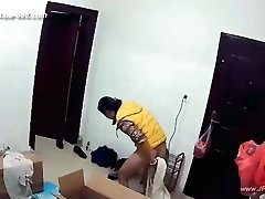 Hackers use the camera to remote monitoring of a paramour's home life.225_2