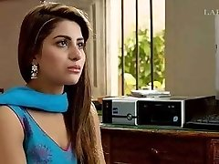 Sohai Ali Abro Pakistani Actress Blouse Down Gig