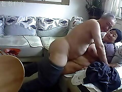 Chinese aged couple in the living room lewd live sex 02
