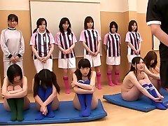 Sexy dievčatá sú nahí a sú cvičí masturbácia