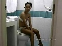 Thai Hooker Deep Throats Jizz-shotgun in the Toilet