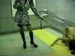 azijske gospodarica metro spank