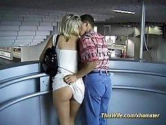 Vilcienu jāšanās ar šķebinošs sieva