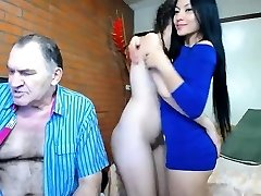 एशियाई प्रेमिका चूसना और चाटना