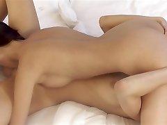 כריסטי מקסים, קיטי ג ' יין - חמוד, לסביות, שישים ותשע
