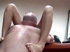 AsianSexPorno.Com - Čínske office lady v prdeli na stôl