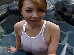 Badedrakt Japansk sluty Yumi i bassenget