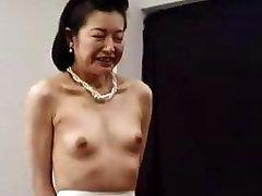 Maz Japāņu Laumiņas Pieaudzis Vecenīte 6 Uncensored